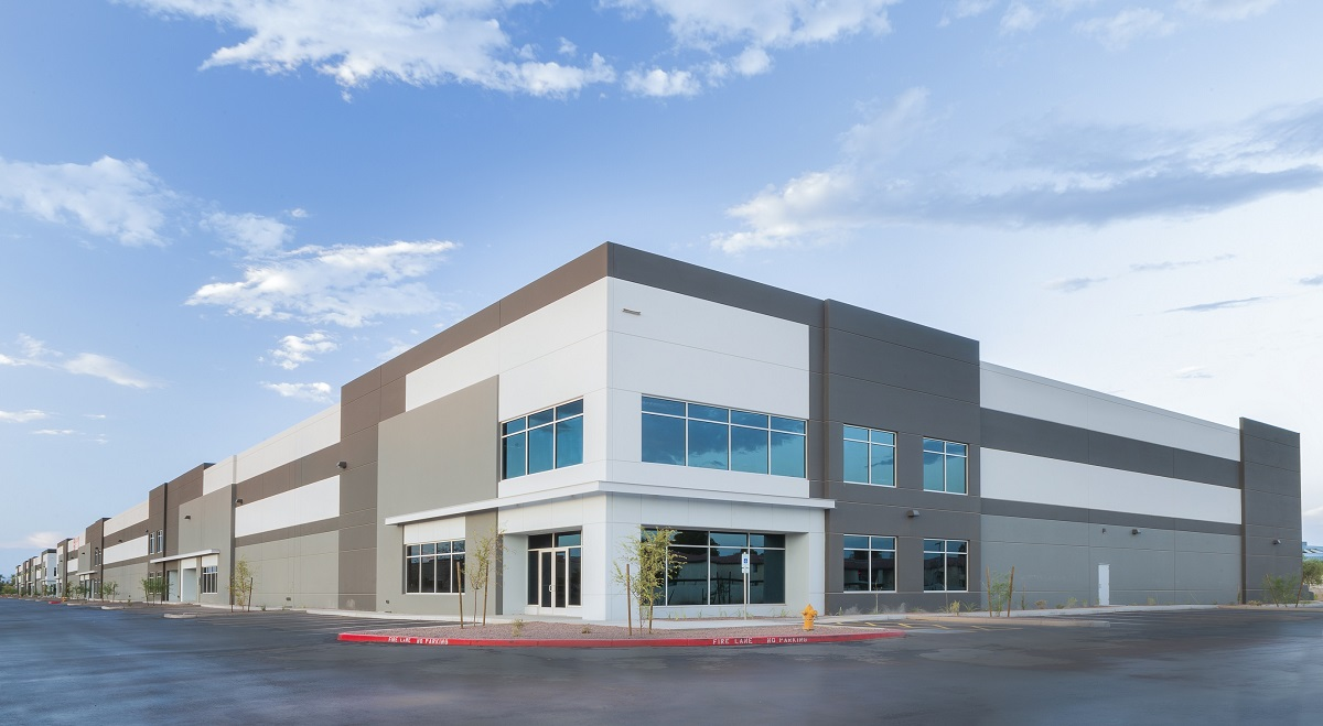 One of the distribution buildings at the 92 percent leased AZ|60 industrial park in Gilbert. Photo: Cushman & Wakefield