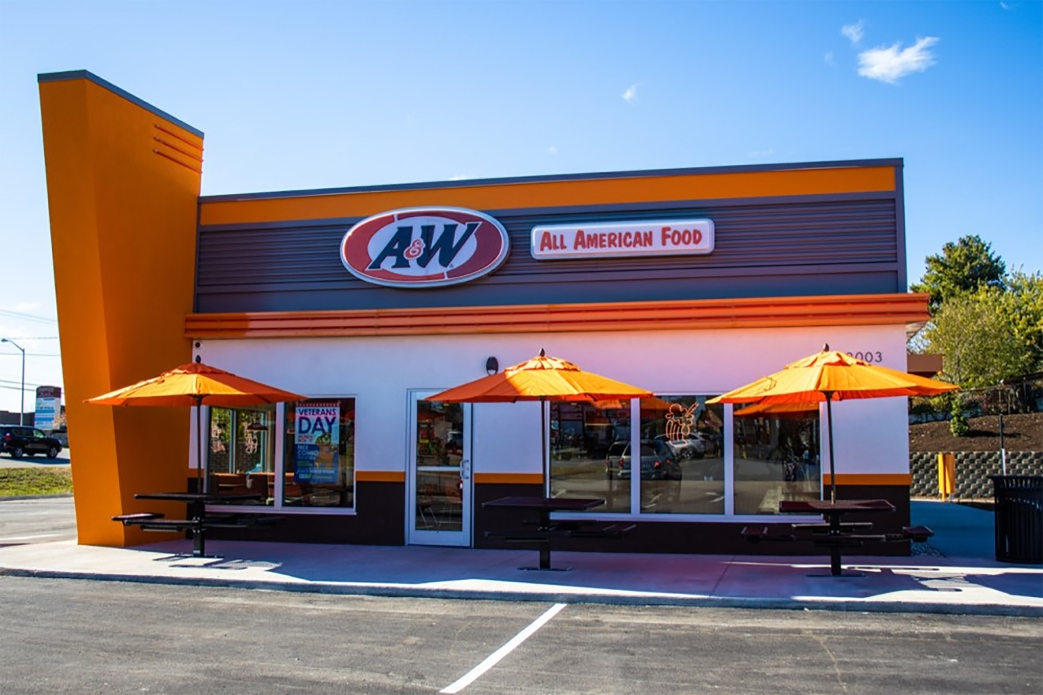 Century Old Root Beer Franchise Grows As Standalone Concept Costar