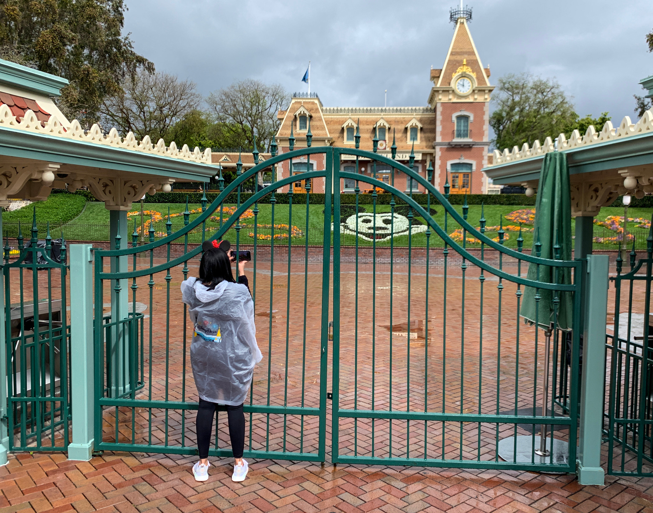 Officials in Anaheim, California and neighboring cities report significant business-related disruption from the mid-March closing of Disneyland Resort. (Getty Images)