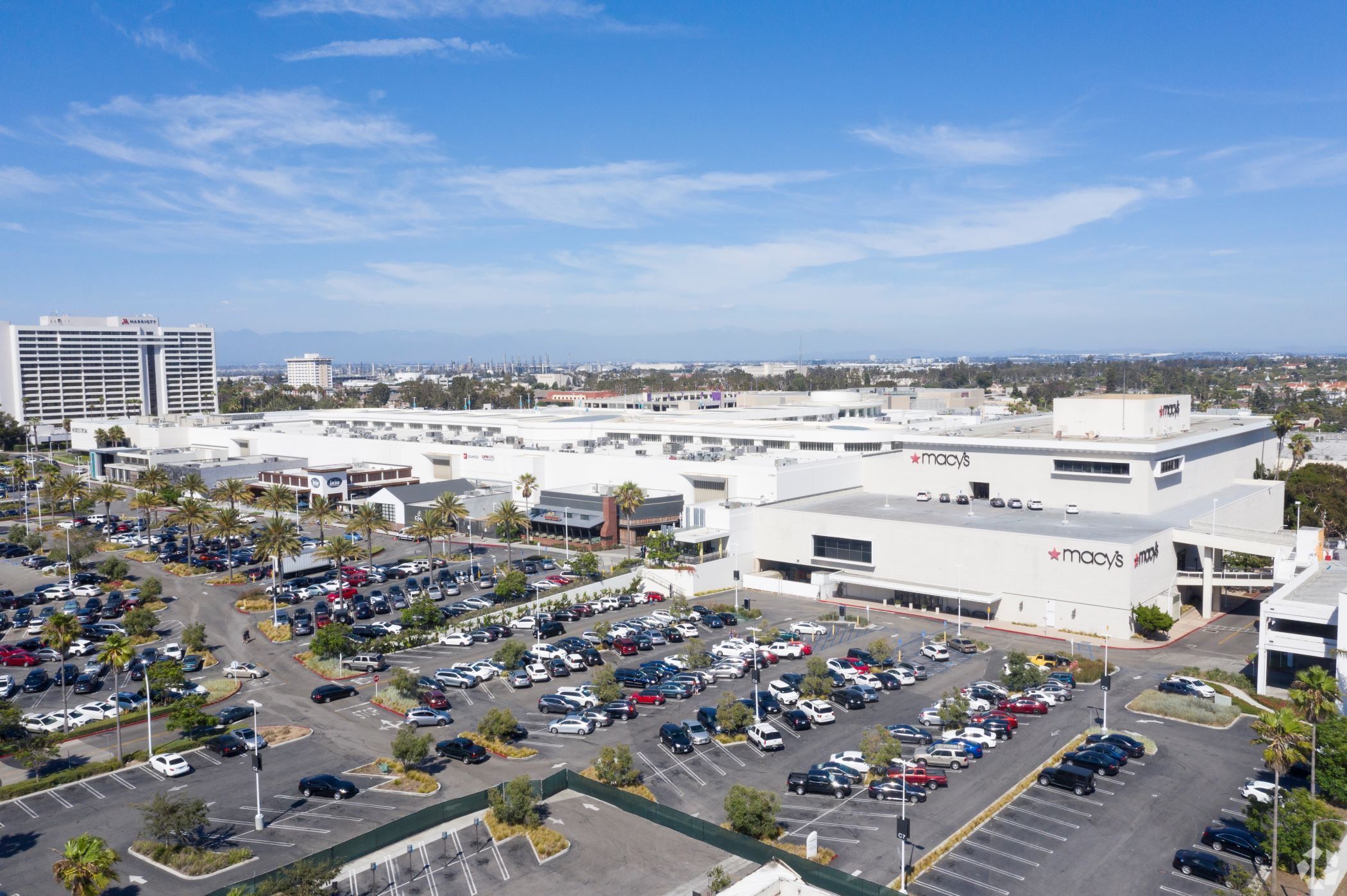 Simon Property Group owns 204 shopping centers and malls across the United States, including Del Amo Fashion Center in Torrance, California. (CoStar)