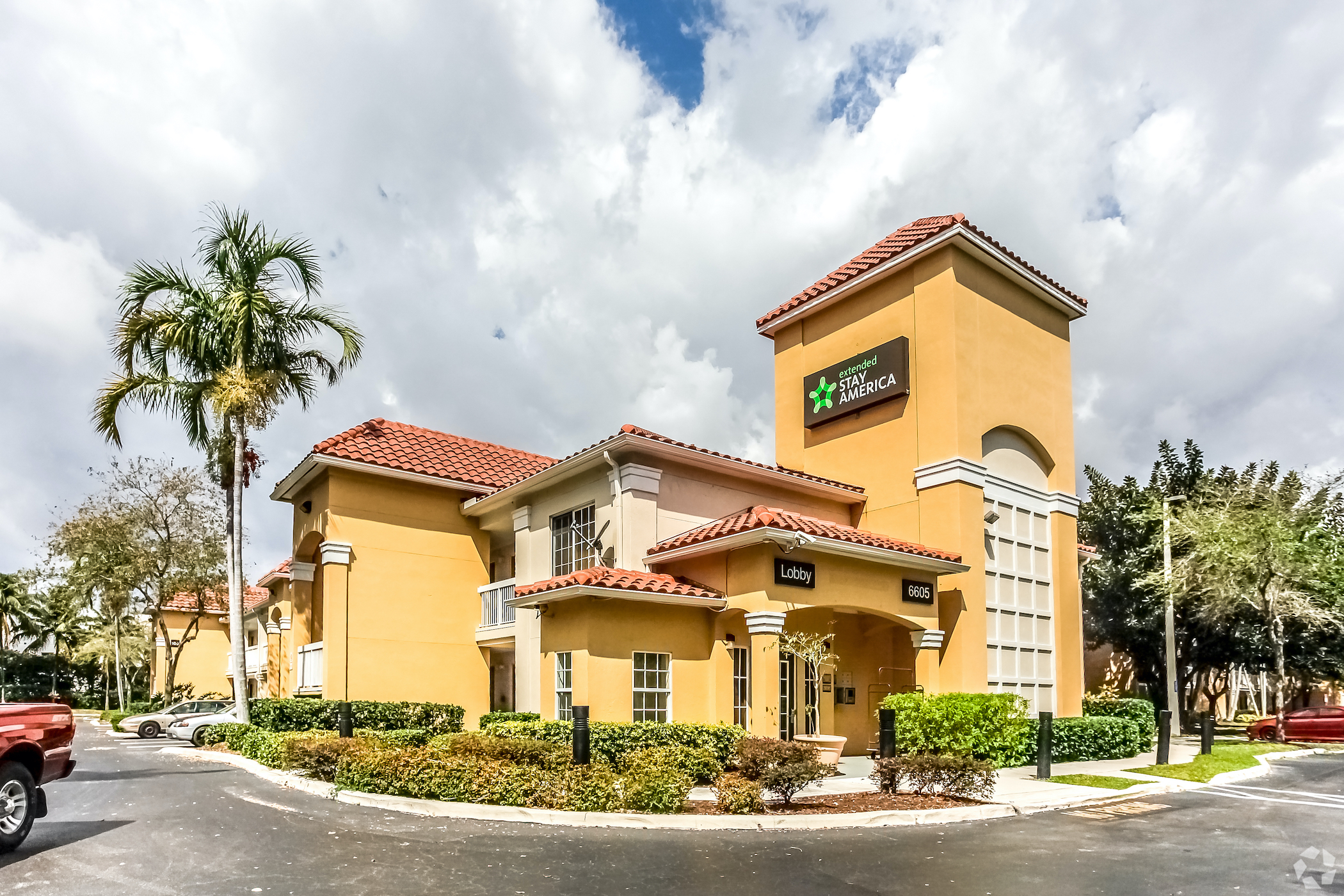 The investor fight to scuttle a $6 billion sale of Extended Stay of America has gained more support. (CoStar Group)