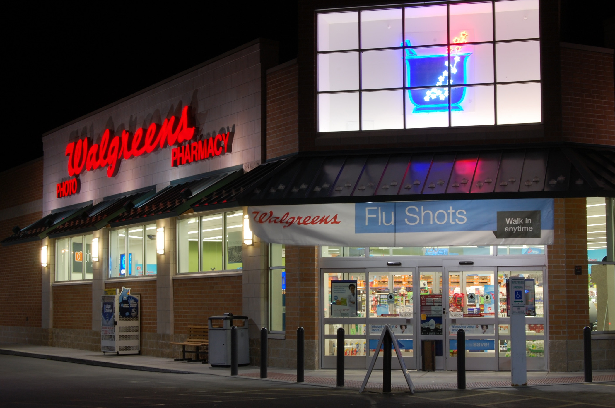 Walgreens reported strong earnings from pharmacy sales in the quarter ended Nov. 30, just before U.S. jobs losses mounted in part because of the pandemic. (Getty)