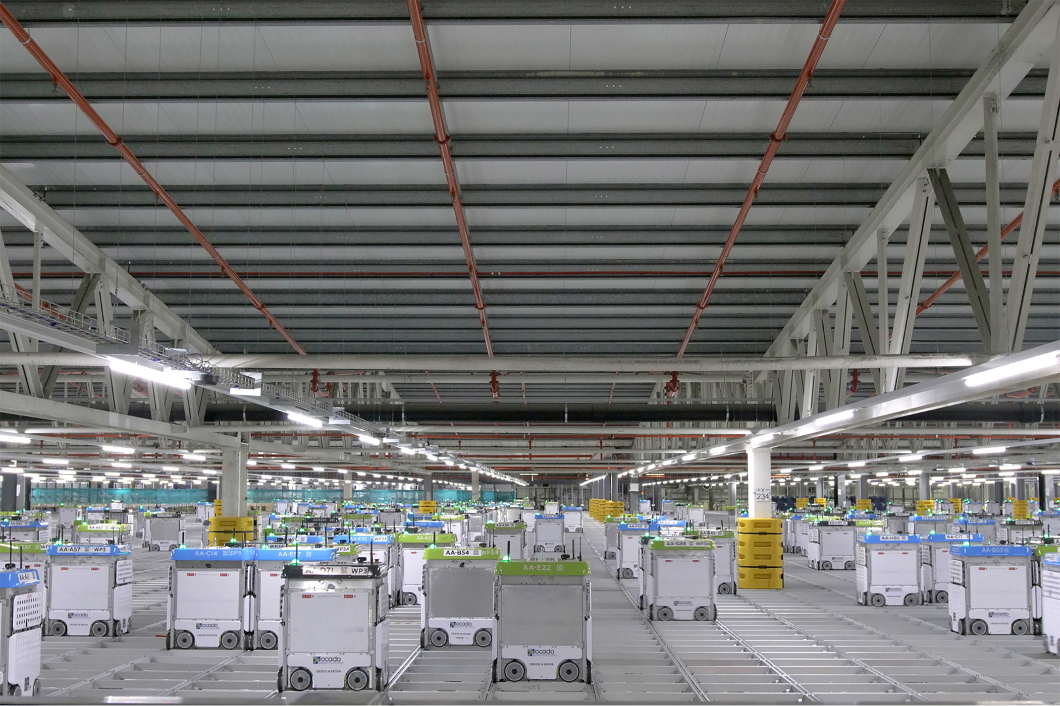 Robots will pack online orders at a planned Fry's distribution and fulfillment center in Phoenix. (Kroger)