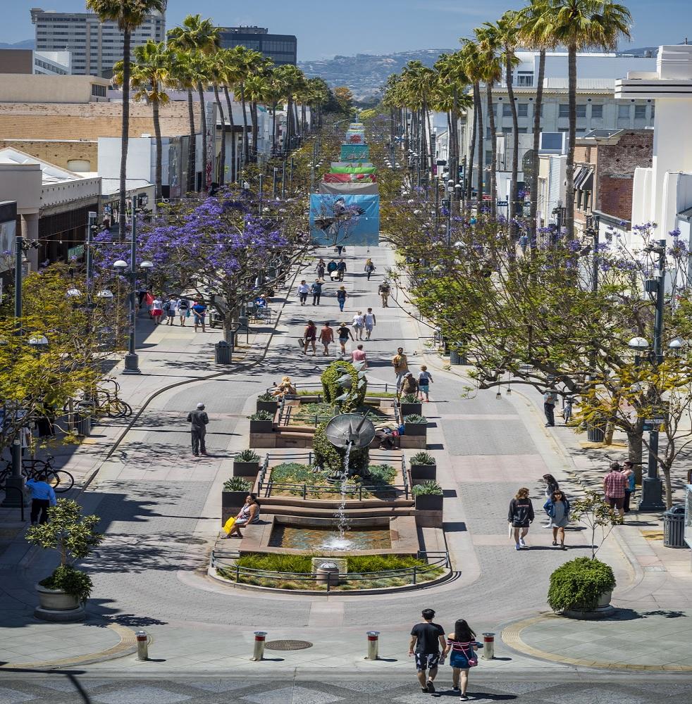 Third Street Promenade >> Santa Monica California S Third Street Promenade Prepares For Its