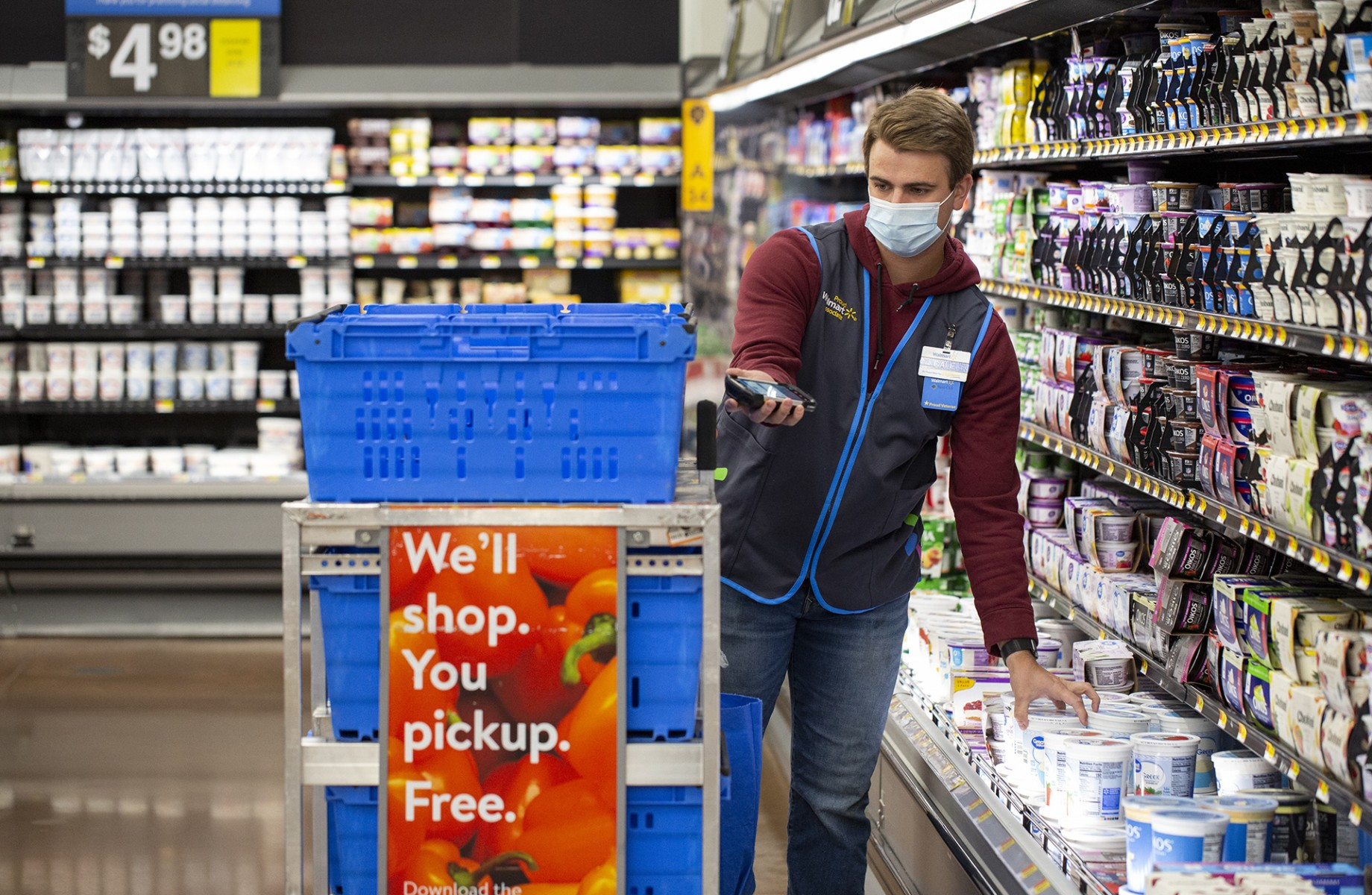 Walmart reported $900 million in extra first-quarter costs tied to the coronavirus pandemic. (Walmart)