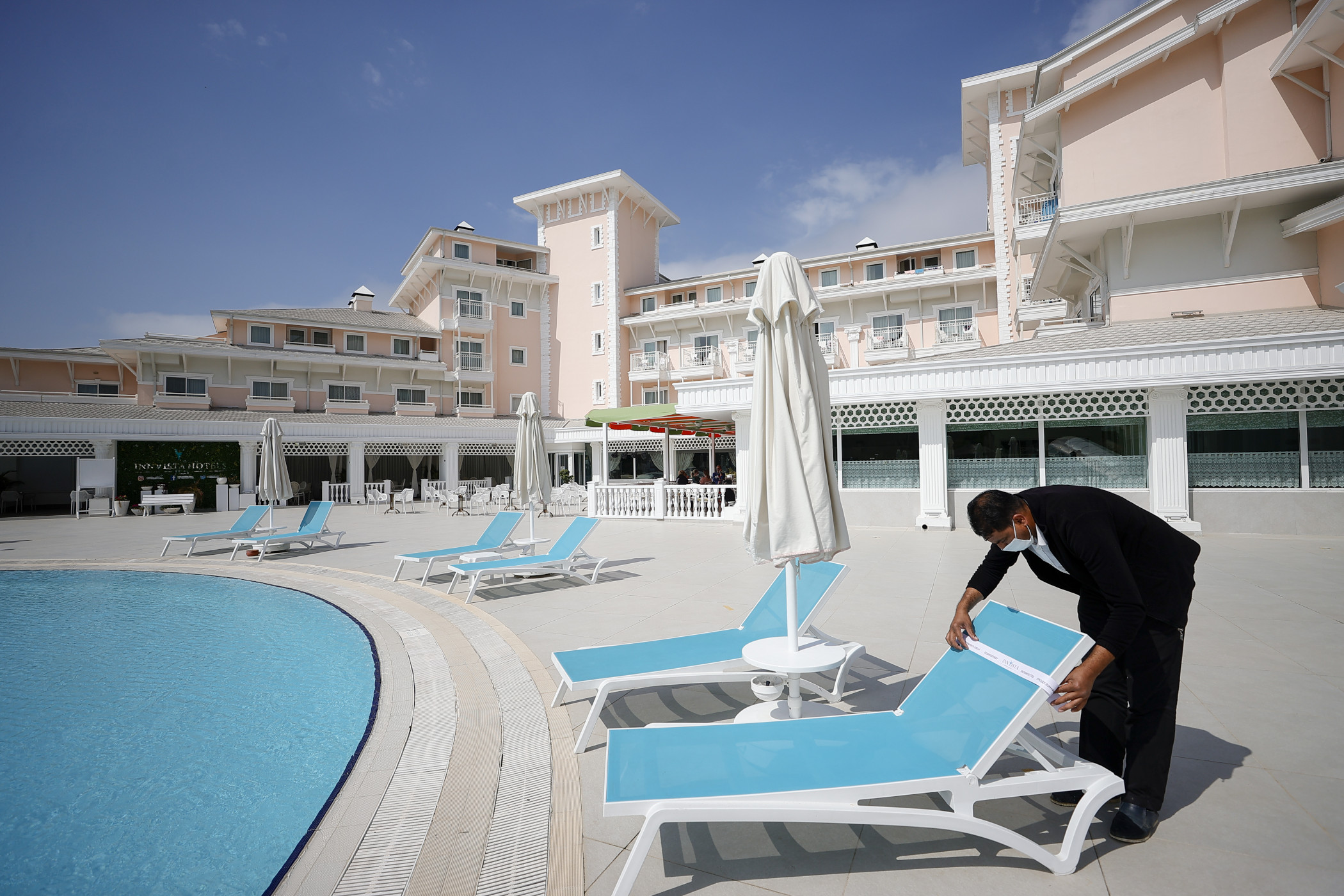 Hotel occupancy dropped last week even though the number of travelers increased heading into the July Fourth weekend. (Getty Images)