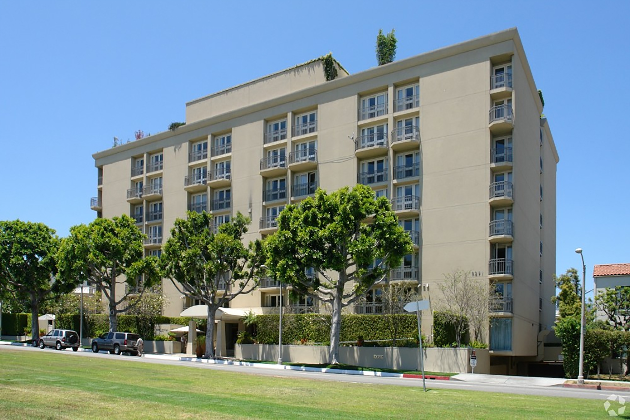 The luxury Viceroy L'Ermitage Beverly Hills hotel in California, known for decades as a celebrity hangout, is being auctioned off in August. (CoStar)