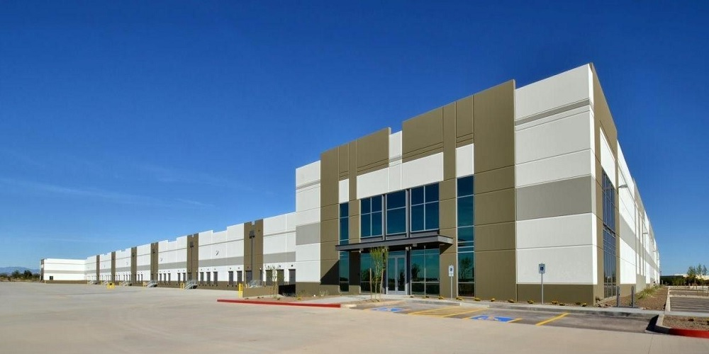 The 418,651-square-foot distribution facility at West Valley Logistics Center in Surprise, Arizona. Photo: Northstar Commercial Partners