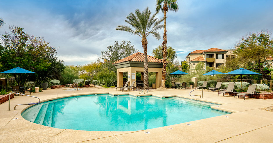 The 248-unit Bell Vista Apartments in North Phoenix was part of a three-property portfolio acquisition by Nexpoint Residential valued at $132.1 million ($201,372/unit). Photo: CoStar
