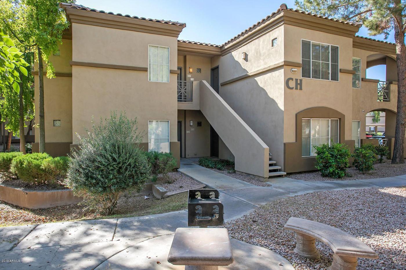 Signature Place in Tempe, Arizona, sold for more than $207,600 per unit. (CoStar)
