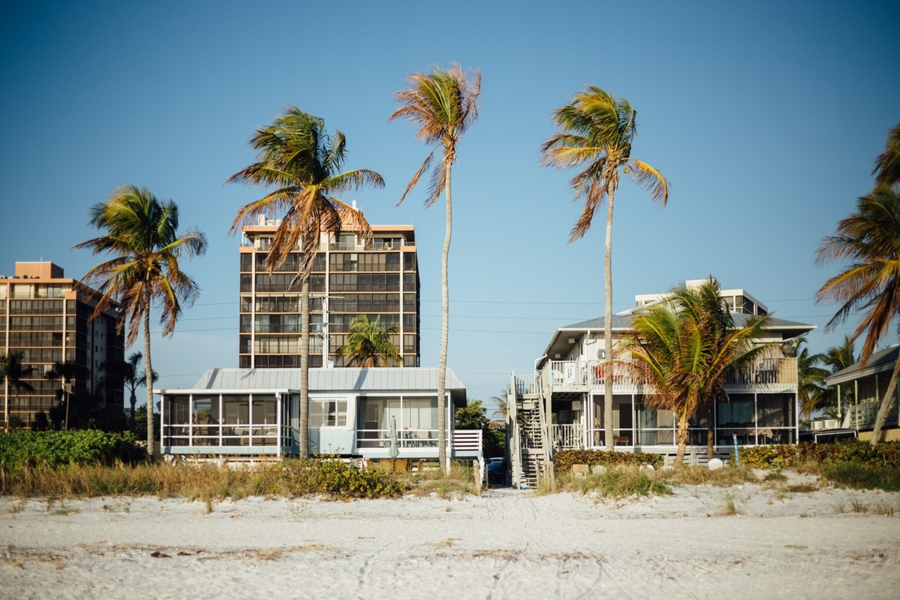 If a California Assembly bill becomes law, certain types of beach-adjacent residential properties could become tougher to find on vacation-rental sites like Airbnb. Photo: Josh Sorenson, Pexels