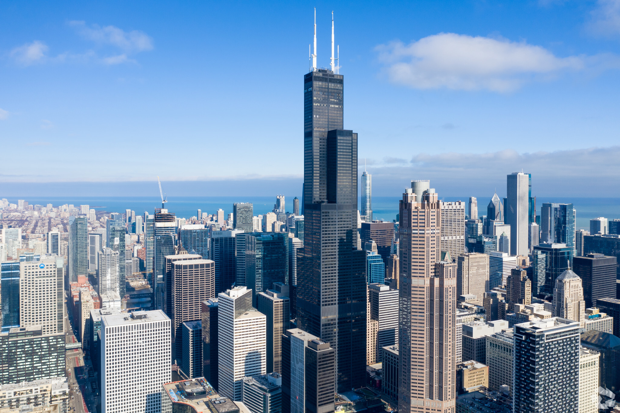 United Airlines is the largest tenant at Willis Tower in downtown Chicago, leasing about 814,000 square feet. (CoStar)