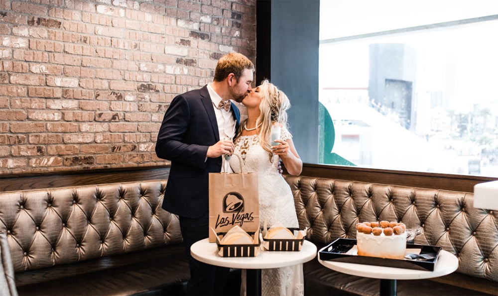 Taco Bell Wedding.Costar News White Castle Weddings Taco Bell Nuptials Fast Food