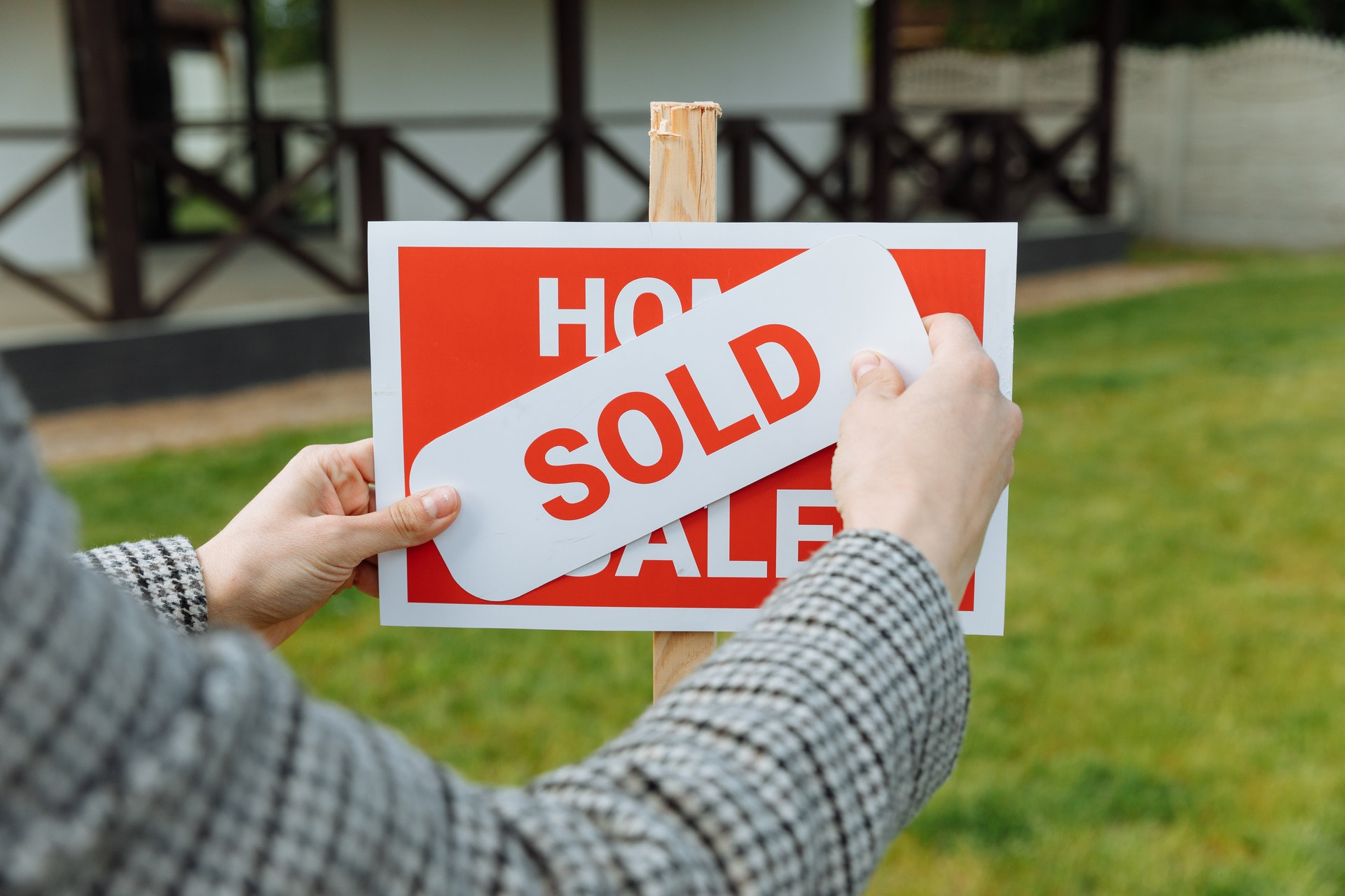 New home listings increased in the four-week period that ended July 4 in a move that could give potential homebuyers more options. (Pexels)