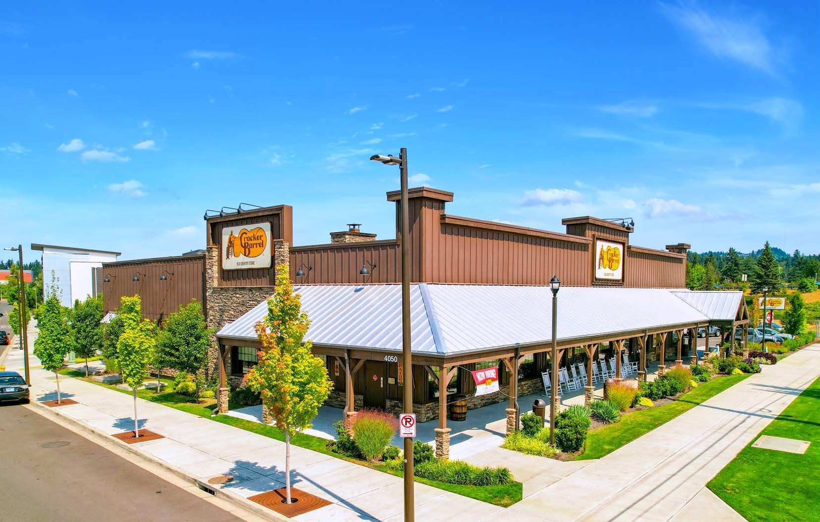 Cracker Barrel's retail sales in its latest quarter increased over 2019 while dining revenue trailed. (CoStar)