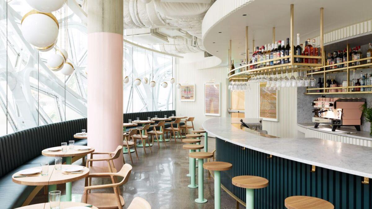 Amazon Spheres Restaurant Embraces Its Curves