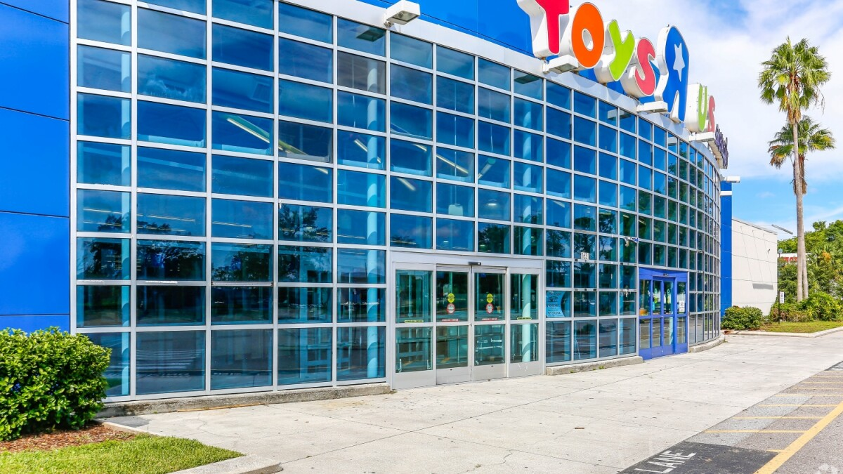 Toys R Us Bankruptcy Provides A Different Way Of Investing In Real Estate Loopnet Com