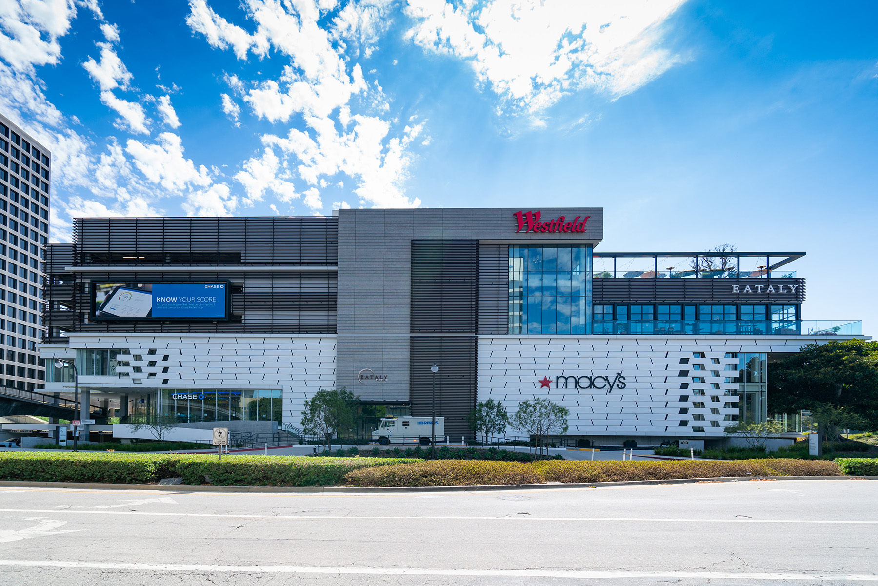 Unibail-Rodamco-Westfield said it is evaluating whether to sell most of its prominent U.S. shopping mall assets as demand falls across the industry. (Getty Images)
