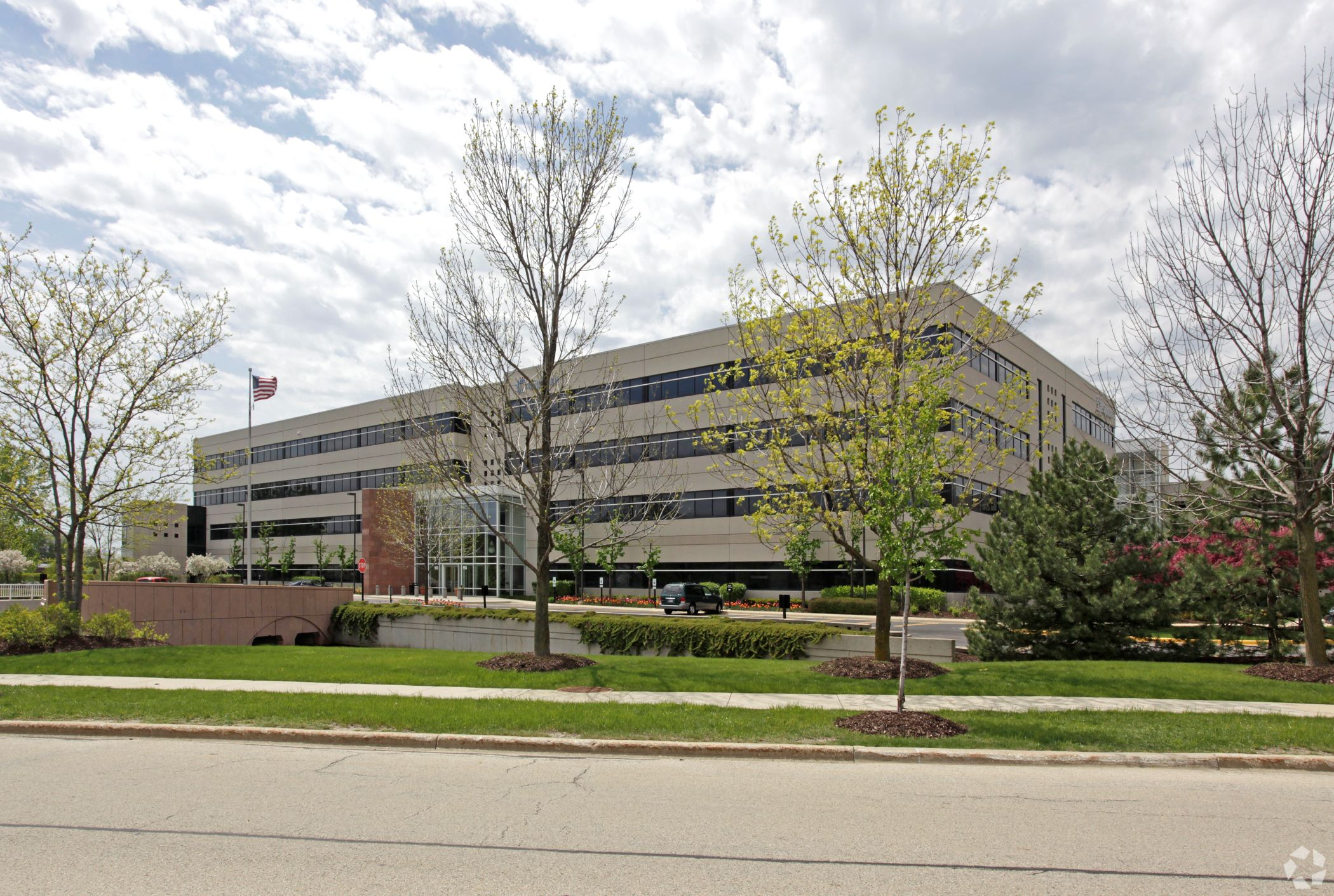 Experian is putting the entire building at 955 American Lane in Schaumburg, Illinois, on the sublease market. (CoStar)